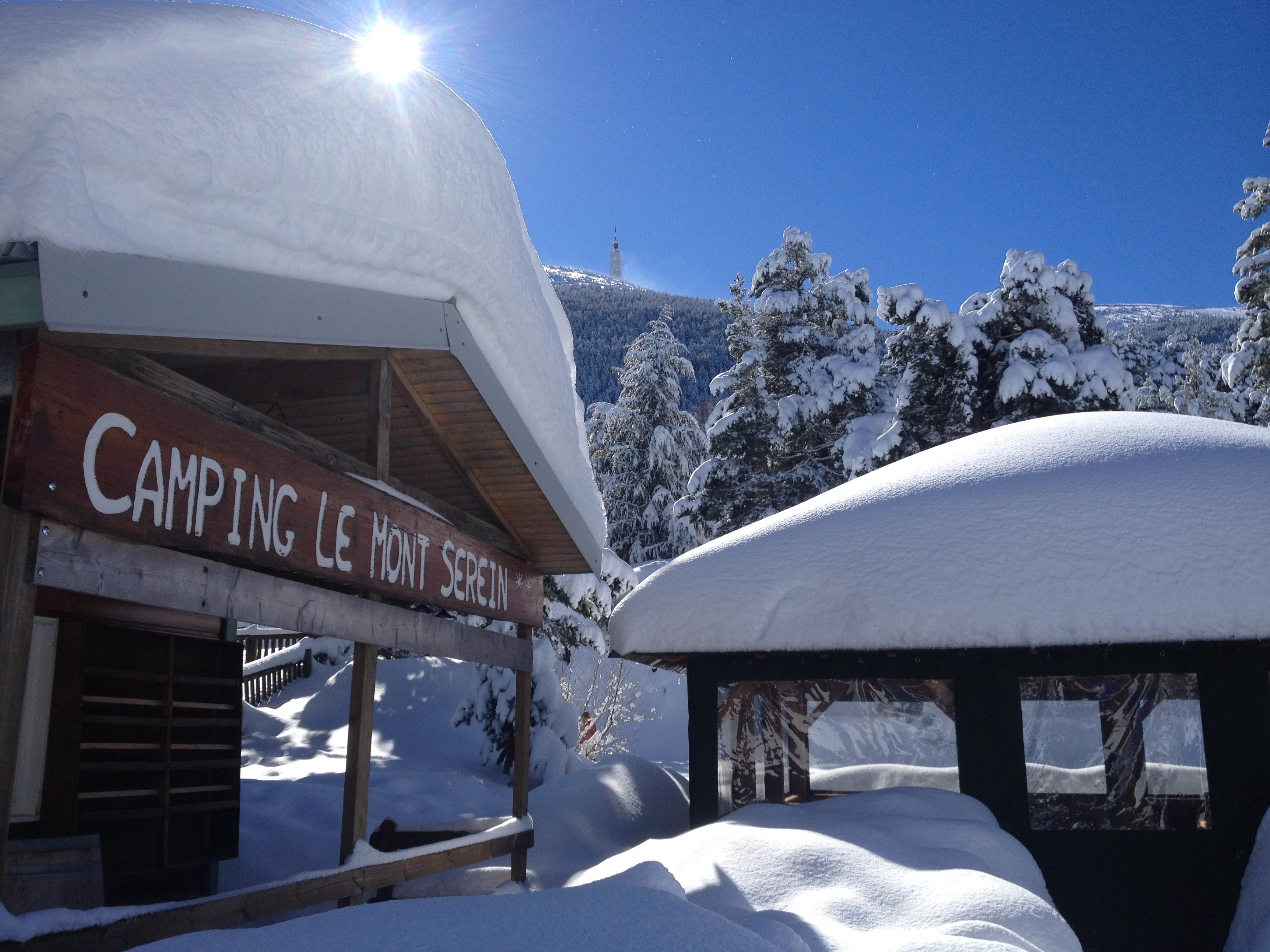 les gîtes chalets du Mont Serein sous la neige